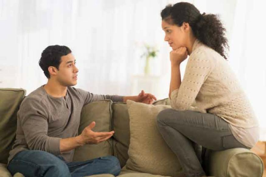 हो सकता है पतिदेव उसी काम में समय ज्यादा लगाते हों. यह सब जानकर या तो आप समझ जाएंगी कि पति सही कारण से ही इतना व्यस्त रहते हैं या फिर आपको उनकी कमियां पता चलेंगी, जिन्हें सुधारने में आप उनकी मदद कर सकती हैं.