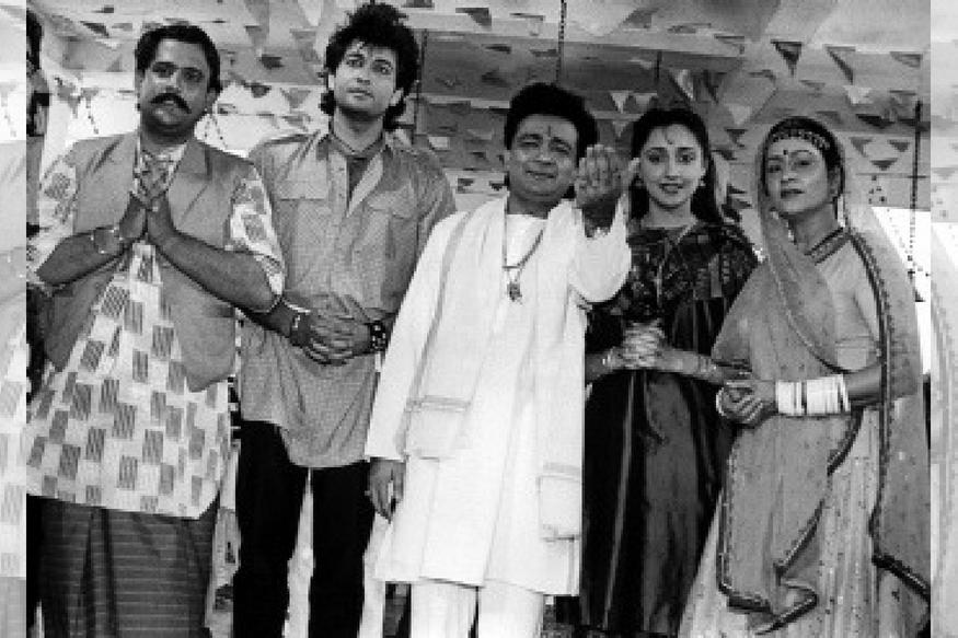 गुलशन कुमार की पहली फिल्म 1989 में 'लाल दुपट्टा मलमल का' के नाम से आई. जिसका संगीत एक ही रात में पूरे भारत में लोकप्रिय हो गया. इसी तरह वर्ष 1990 में प्रदर्शित फिल्म 'आशिकी' ने सफलता के सारे कीर्तिमान तोड़ दिए. बाद में 1991 में आमिर खान और पूजा भट्ट अभिनीत 'दिल है की मानता नहीं' का निर्माण किया, फिल्म उतनी चली नहीं, लेकिन उसका संगीत बॉलीवुड के सर्वाधिक लोकप्रिय गाने दे गया.