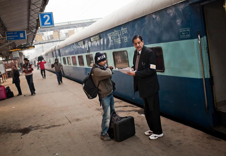 मरीन इंजीनियर्स, रिसर्च स्कॉलर्स पा सकते हैं 50% की छूट- भारतीय रेलवे कैडेट्स, मरीन इंजीनियर्स को भी उनके घर से ट्रेनिंग के स्थान जाने पर सेकेंड क्लास और स्लीपर क्लास के लिए 50 प्रतिशत का डिस्काउंट देता है. तो अगर आप इसमें से किसी भी कैटेगरी में आते हैं तो डिस्काउंट पा सकते हैं.