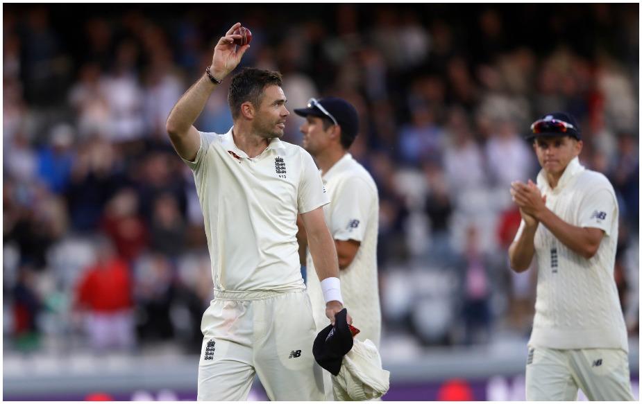 इंग्लैंड टीम के इस धाकड़ गेंदबाज़ ने 151 बार ओपनर्स को अपना शिकार बनाया है. रिकॉर्ड ग्लेन मैकग्रा के नाम है, जिन्होंने 155 खिलाड़ी आउट किए हैं. तीसरे नंबर पर 130 विकेट के साथ मुथैया मुरलीधरन हैं.