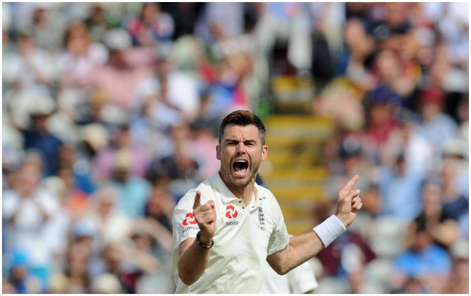 मुरली विजय टेस्ट क्रिकेट में जेम्स एंडरसन के 550वें शिकार बने. उन्होंने 140 टेस्ट में अब तक 551 विकेट लिए हैं. टेस्ट क्रिकेट में विकेट लेने के मामले में एंडरसन का नंबर मुथैया मुरलीधरन (800), शेन वॉर्न (708), अनिल कुंबले (619) और ग्लेन मैकग्रा (563) के बाद आता है.भारत के खिलाफ मौजूदा सीरीज में वह मैकग्रा को पीछे छोड़ सकते हैं.