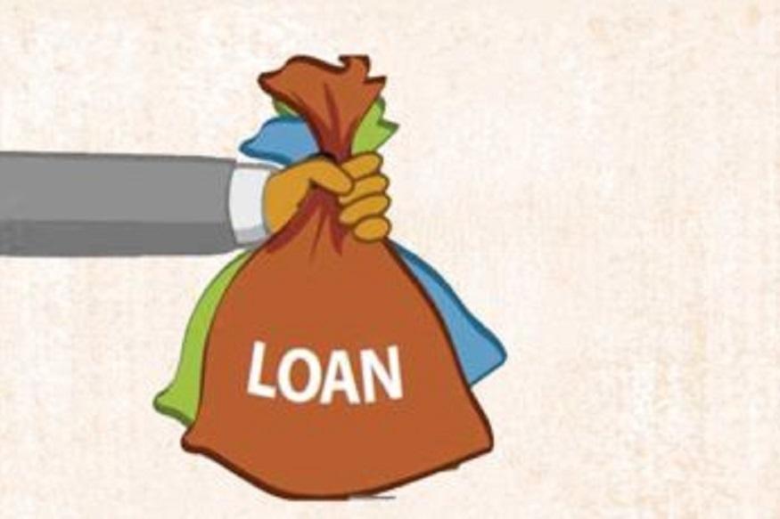 सस्ती ब्याज दरों वाले लोन पर स्विच करें:अगर बैंक अभी भी ब्याज दरें कम नहीं कर रहा है तो आप किसी अन्य बैंक में अपना लोन स्विच कर सकते हैं. लोन स्विच करते समय ये ध्यान रखें कि बैंकों के बदलती ब्याज दरों के आधार पर बार बार लोन को स्विच ना करें. ऐसा इसलिए क्योंकि लोन स्विच करने पर कुछ शुल्क चुकाने पड़ते हैं.