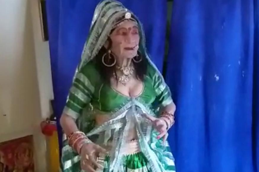 हाथो में खनकती चूड़ियां पैरो में पायल, माथे पर बिंदिया और तन पर सोलह श्रृंगार. ये हैं बरेली निवासी औऱ रेलवे के रिटायर्ड इंजीनियर रविंद्र कुमार सक्सेना. रिटायर होने के बाद रविंद्र ने जीवन कान्हा की भक्ति में लगा दिया है और राधा बन गए हैं. Photo : news 18