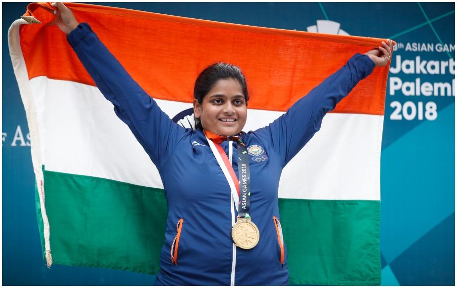 भारतीय शूटर राही सरनोबत ने एशियन गेम्स में 25मीटर पिस्टल कैटेगिरी में गोल्ड जीतकर इतिहास रच दिया है. भारत की ओर से एशियाई खेलों में शूटिंग कैटेगिरी में गोल्ड जीतने वाली वह पहली महिला खिलाड़ी हैं.
