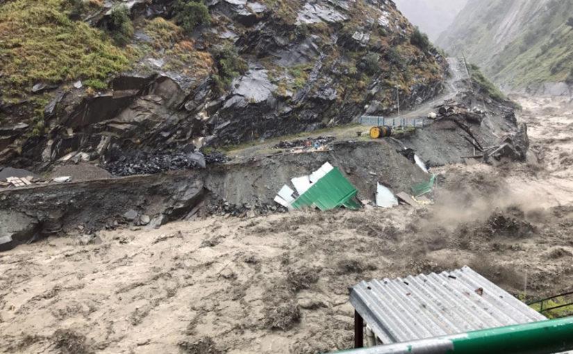 हिमाचल में भारी बारिश-बर्फबारी से तबाही, ट्रैकिंग पर गए 35 IIT स्टूडेंट्स समेत 45 लोग लापता