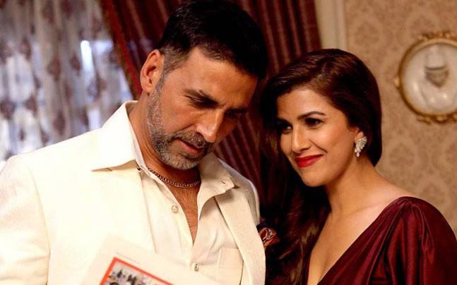 निमरत कौर ने 2016 में अक्षय कुमार के साथ एयरलिफ्ट में किया. इस फिल्म की सफलता का श्रेय तो अक्षय कुमार को मिला लेकिन फिल्म में निमरत के काम को नोटिस किया गया . इस फिल्म के बाद वो बालाजी के एक वेब शो 'द टेस्ट केस' का हिस्सा रही और इस सीरीज़ में उन्होंने एक आर्मी ऑफिसर का किरदार निभाया.