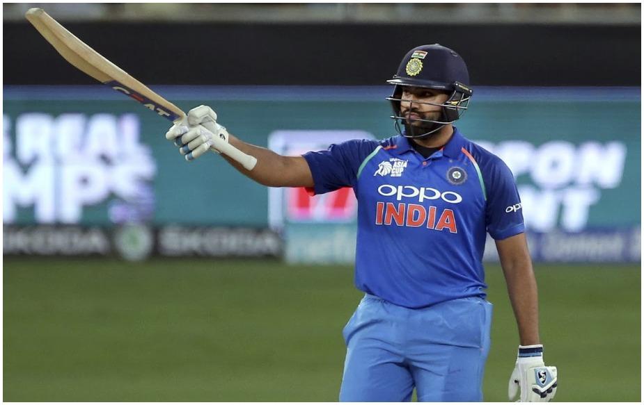 रोहित के नाम वनडे क्रिकेट में 185 मैचों में 176 छक्के हैं. वह इस फॉर्मेट में सबसे तेज 100 से ज्यादा छक्के मारने वाले दुनिया के तीसरे खिलाड़ी हैं. रोहित शर्मा हर 35वीं गेंद पर छक्का लगाते हैं. हालांकि रिकॉर्ड शाहिद अफरीदी के नाम है, जो कि हर 26वीं गेंद पर छक्का लगाते हैं. दूसरे नंबर पर न्यूजीलैंड के ब्रेंडेन मैक्कलम हैं जो हर 27वीं गेंद पर छक्का जड़ देते हैं.
