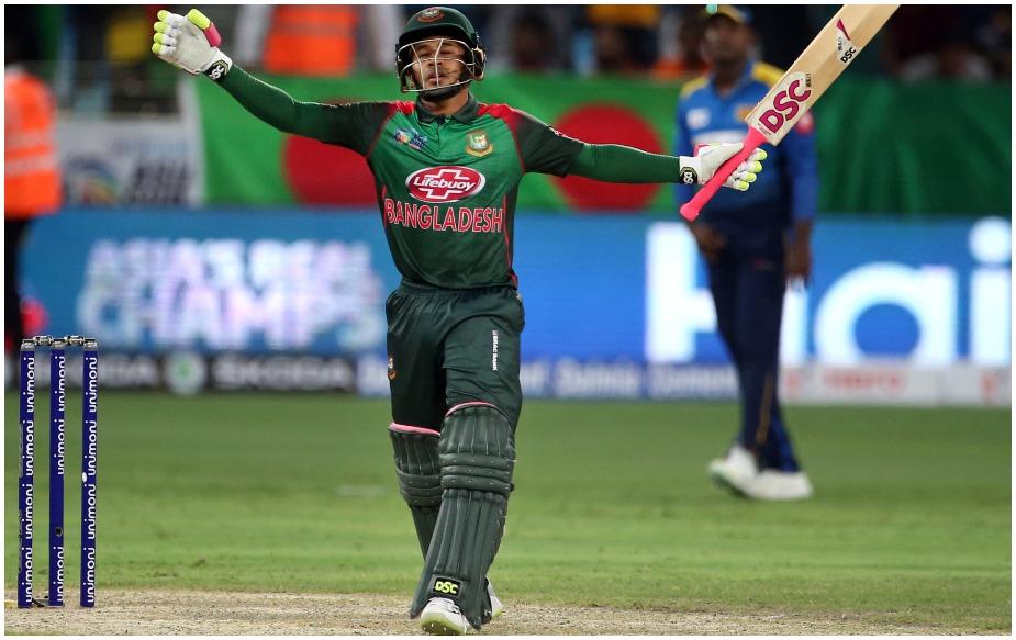 31 साल के मुशफिकुर रहीम ने अपने करियर का सर्वश्रेष्ठ प्रदर्शन करते हुए 150 गेंदों में 144 रन बनाये, जिसमें 11 चौके और चार छक्के शामिल हैं. मुशफिकुर का यह छठा शतक है और उन्हें इस दमदार पारी के लिए मैन ऑफ द मैच भी चुना गया. वैसे उन्होंने 188 वनडे मैचों में 4972 रन बनाए हैं.