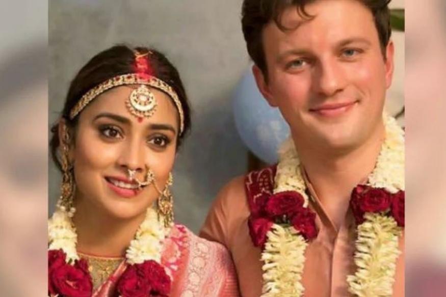 श्रिया की पर्सनल लाइफ के बारे में बात करें तो वह हमेशा पर्दे के पीछे ही रही. उन्होंने हमेशा अपने रोमांटिक लिंकअप्स की खबरों को गलत बताया. लेकिन 2018 में अचानक उनकी शादी की खबर ने सभी को चौंका दिया.