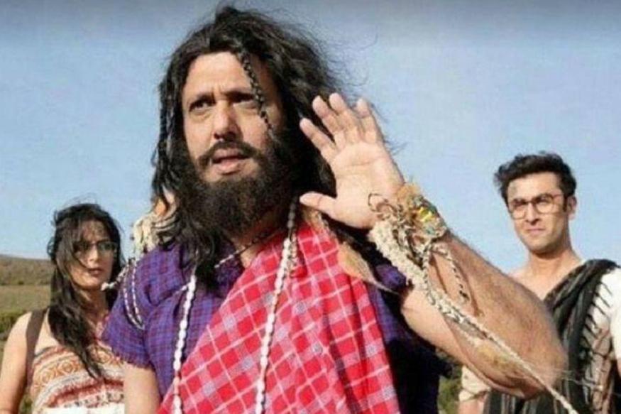जग्गा जासूस में गोविंदा के रोल को लेकर भी रणबीर कपूर विवादों में आ चुके हैं. बता दें कि 'जग्गा जासूस' फिल्म में एक अहम रोल गोविंदा का भी था फिल्म की कहानी में बदलाव के कारण गोविंदा का सीन हटा दिया गया था और बाद में खबर आई कि वह फिल्म में नहीं हैं.