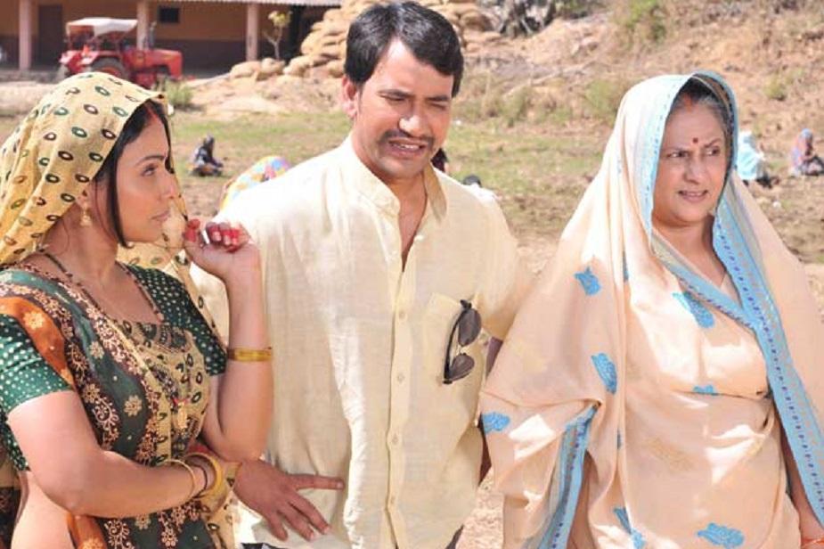 दूसरी फिल्म 'गंगोत्री' में उनके साथ भूमिका चावला और मनोज तिवारी थे.