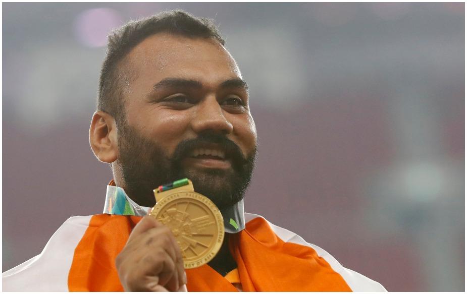 तजिंदरपाल सिंह तूर ने अपना सर्वश्रेष्ठ प्रदर्शन करते हुए 18वें एशियाई खेलों में शॉट पुट स्पर्धा का गोल्ड मेडल जीता. तूर ने एशियाई रिकॉर्ड के साथ पहला स्थान हासिल किया. 23 साल के तजिंदरपाल ने पहले प्रयास में 19.96, दूसरे प्रयास में 19.15 मीटर का थ्रो किया. हालांकि तीसरा प्रयास उनका फाउल रहा. लेकिन उन्होंने चौथे प्रयास में 19.96 और पांचवें प्रयास में 20.75 का रिकॉर्ड थ्रो किया.