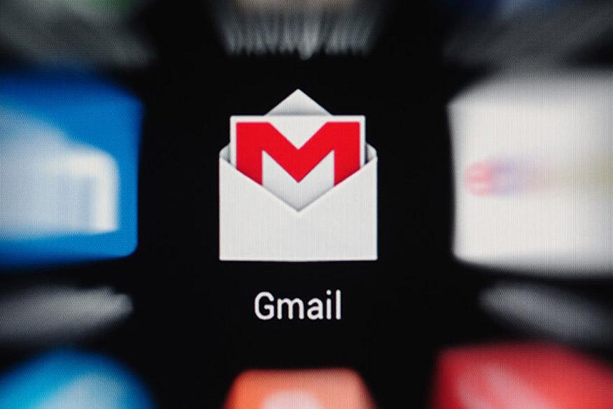 ईमेल सर्विस के मामले में GMAIL इस समय सबसे पॉपुलर और बड़ा नाम बन चुका है. अब जैसे-जैसे आज के तकनीकी दौर में इंटरनेट की दुनिया बढ़ती जा रही है, वैसे-वैसे GMAIL यूजर्स की संख्या भी आसमान छू रही है. ऐसे में GMAIL इस्तेमाल करने वालों के लिए एक अच्छी ख़बर ये है कि वे अब बिना इंटरनेट के भी इसका इस्तेमाल कर सकते हैं. जी हां अब आपको GMAIL का इस्तेमाल करने के लिए इंटरनेट की जरूरत नहीं पड़ेगी. तो आइए जानते हैं कि आप बिना इंटरनेट के कैसे GMAIL का इस्तेमाल कर सकते हैं...