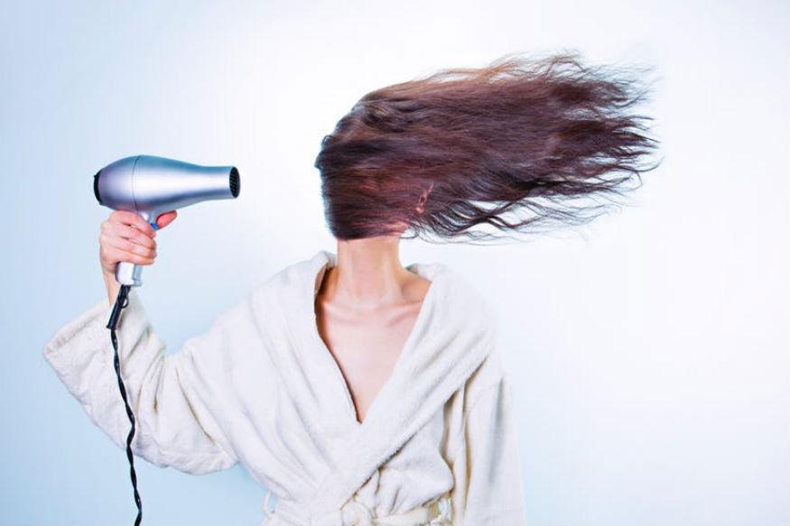 अकाए बैरी जूस में फैट्स पाए जाते हैं जो ज्यादा स्वास्थ्य के लिए काफी हेल्दी होते हैं. ये स्किन को अच्छा कर बालों के लिए काफी लाभकारी माना जाता है.