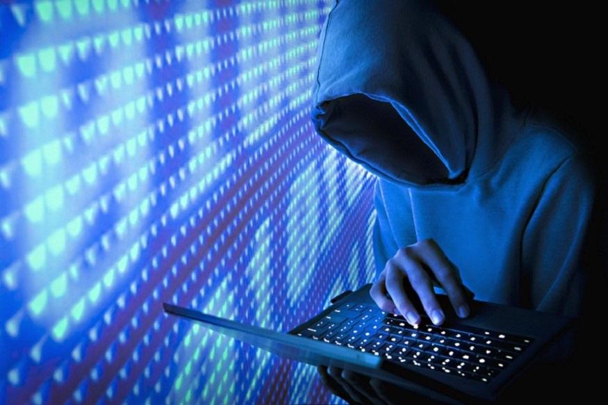 क्या आपने कभी सोचा है कि आखिर मोबाइल चोरी के ज्यादातर मामलों में फोन क्यों नहीं मिलते हैं. आप मोबाइल चोरी की कंप्लेन पुलिस में दर्ज कराते हैं और पुलिस भी आपके फोन की लोकेशन को ट्रेस करनेकी कोशिश करती है, लेकिनवह मोबाइल तक नहीं पहुंच पाती है. इसकी वजह चोरी के बाद आपके मोबाइल के साथ किया जाने वाला 'खेल' है. हैकर्स या चोर यह 'खेल' करने के बाद आपके स्मार्टफोन को आसानी से मार्केट में बेच देते हैं और किसी को कानों-कान खबर भी नहीं लगती. तो आइए जानते हैं कि आपका मोबाइल चोरी करने के बाद चोर या हैकर्स उसके साथ क्या करते हैं...