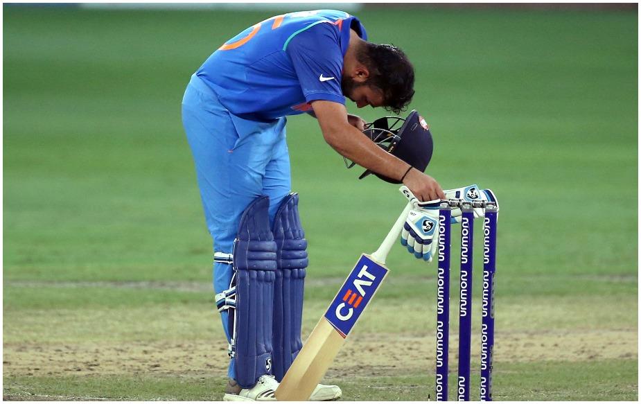 रोहित शर्मा ने महज 36 गेंदों में अर्धशतक ठोका, जो कि वनडे क्रिकेट में उनका सबसे तेज अर्धशतक है. इसके अलावा वो एशिया कप में सबसे तेज अर्धशतक लगाने वाले भारतीय कप्तान बन गए हैं.