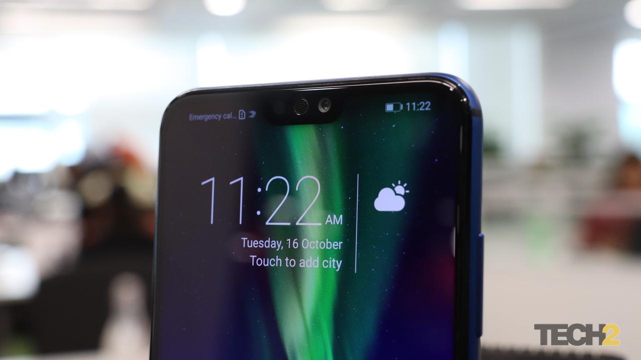 इसके अलावा फोन खरीदने पर 6000 रुपये की कीमत का फ्री Screen Replacement मुहैया कराया जा रहा है. ऑनर 8X में 6.5 इंच फुल एचडी+ (1080x2340 पिक्सल) TFT IPS डिस्प्ले है, जिसका अस्पेक्ट रेशियो 18.7:9 है. फोन में हाईसिलिकॉन किरिन 710 प्रोसेसर है. फोन एंड्रॉयड Oreo बेस्ड EMUI 8.2.0 पर काम करता है. Photo: tech2/Kshitij Pujari