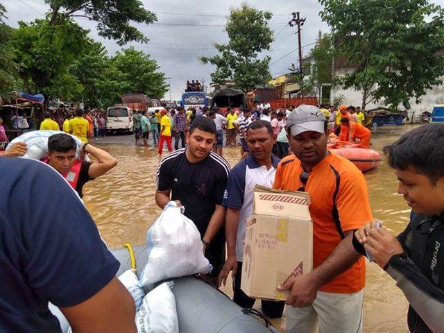 आधिकारिक सूत्रों ने बताया कि दक्षिणी ओडिशा के तीन जिलों, गंजम, गजपति और रायगढ़ा में बाढ़ की स्थिति गंभीर हैं, क्योंकि प्रमुख नदियों में जलस्तर खतरे के निशान को पार कर गया है.