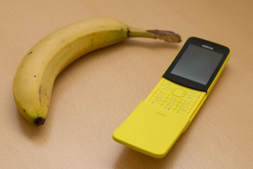 Nokia ने एक नया फोन लॉन्च किया है. यह फोन केले के आकार का है. नोकिया ने इसे 'बनाना फोन' नाम दिया है. नोकिया का यह फोन Nokia 8110 4G है. नोकिया ने यह फोन पहले इस साल हुई मोबाइल वर्ल्ड कांग्रेस में पेश किया था. Nokia का यह फीचर फोन लेटेस्ट फीचर से लैस है. यह एक स्लाइडर फोन है.