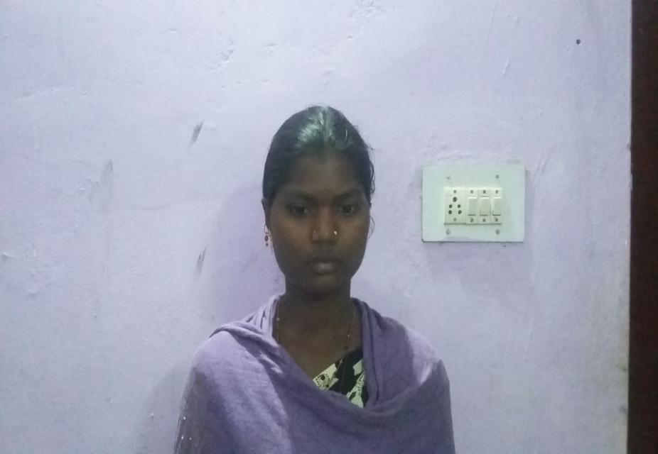 दंतेवाड़ा से गिरफ्तार महिला नक्सली राजे मड़कम