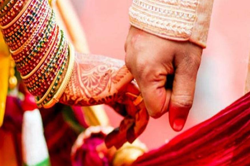 शादी किसी की भी जिंदगी में न भूलाया जाने वाला पल होता है. हर कोई चाहता उनकी वेंडिग कुछ ऐसी हो लोग बरसो तक याद रखें. इसलिए शादियों के इस दौर में हम आपको कुछ ऐसी शानदार जगहें बताने जा रहे हैं, जहां आप अपने इस ख्वाब को पूरा कर सकते हैं.