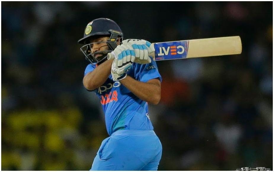 वनडे क्रिकेट में तीन दोहरे शतक लगाने वाले रोहित शर्मा के नाम 188 वनडे मैचों में 186 छक्के दर्ज हैं. वह वेस्टइंडीज के खिलाफ होने वाली पांच मैचों की वनडे सीरीज में सचिन और गांगुली से आगे निकल सकते हैं.