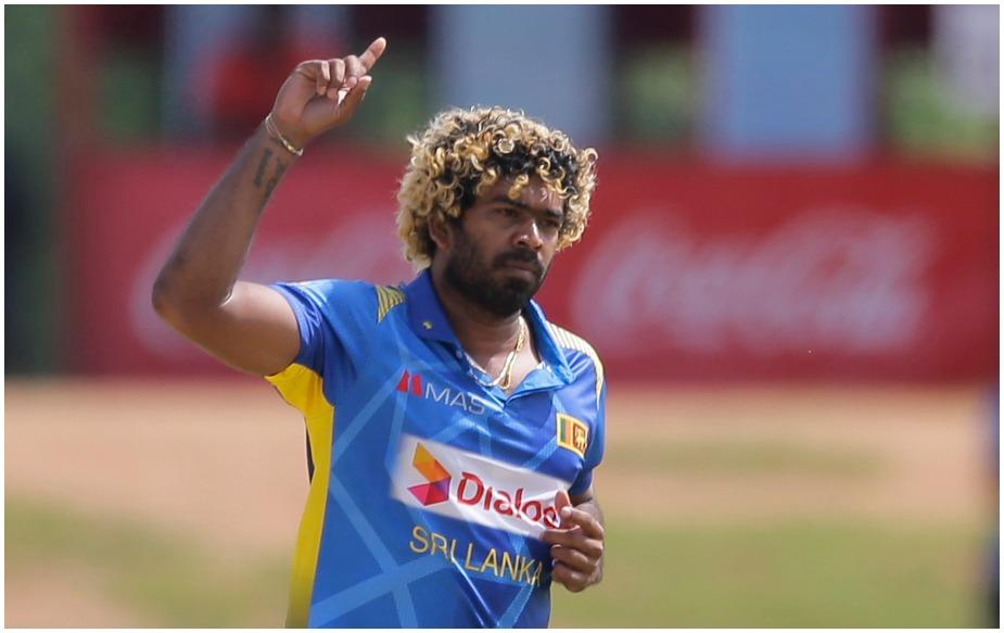 श्रीलंका और इंग्लैंड कें बीच दांबुला में खेले जा रहे वनडे मैच में श्रीलंका के तेज गेंदबाज़ लसिथ मलिंगा के आगे मेहमान टीम 50 ओवर में नौ विकेट के नुकसान पर 278 रन बना सकी. जबकि मलिंगा ने इस दौरान खास रिकॉर्ड अपने नाम किया.