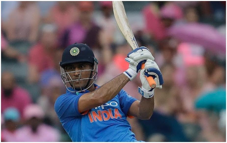 हालांकि महेंद्र सिंह धोनी वनडे में 10 हजार रन पूरे कर चुके हैं. उनके कुल 10,173 रन हैं. उन्होंने 2007 में अफ्रीका इलेवन के खिलाफ एशियाई इलेवन के लिए तीन मैचों की सीरीज में 174 रन बनाए थे.