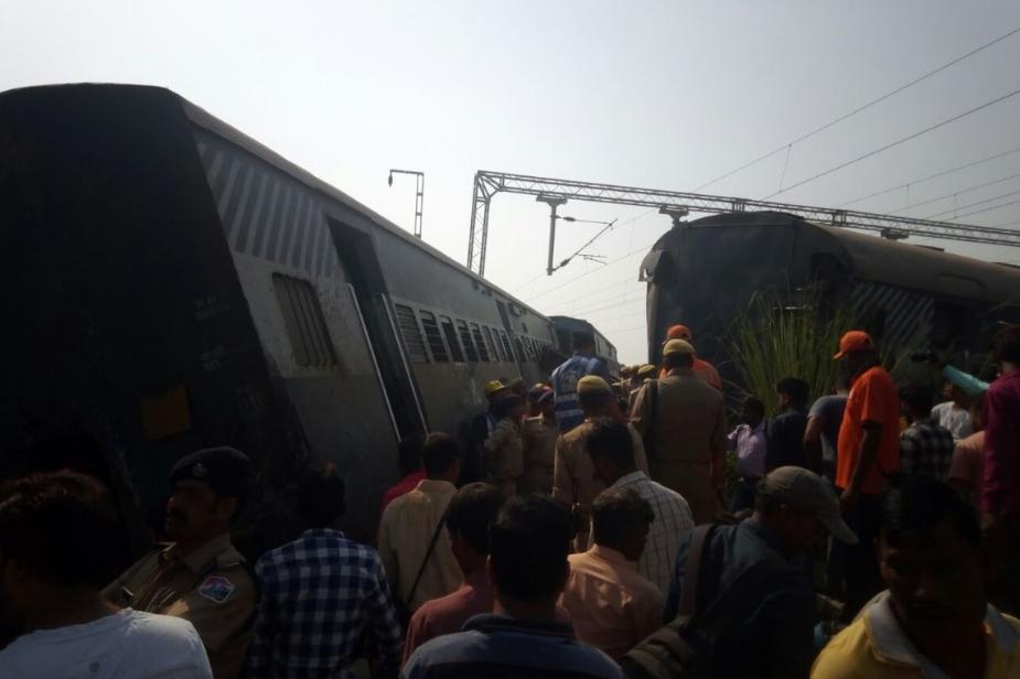 ट्रेन फरक्का से चलकर रायबरेली होते हुए नई दिल्ली जा रही थी. तभी हरचंदपुर आउटर के पास गलत ट्रैक पर जाने की वजह से यह हादसा हो गया. Photo: News 18