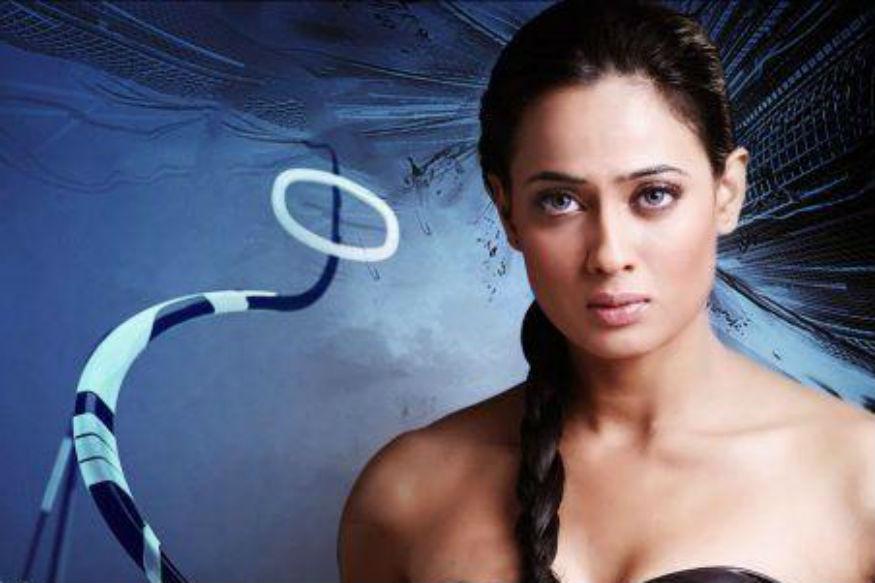 ऐ भौजी के सिस्टर-इस फिल्म में श्वेता तिवारी के साथ नजर आए थे मनोज तिवारी. ये साल 2010 में भोजपुरी सिनेमा की सबसे बड़ी हिट फिल्मों में से एक रही. फिल्म की कहानी एक ऐसे लड़के के इर्द-गिर्द घूमती है, जो अपनी भाभी की बहन से प्यार करने लगता है. श्वेता तिवारी और मनोज तिवारी केअलावा फिल्म में रजा मुराद, मुकेश खन्ना औऱ सुरेंद्र पाल भी मुख्य भूमिका में थे.