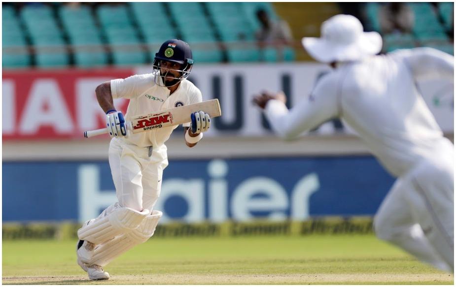विराट कोहली ने भारत में 3000 टेस्ट रन पूरे कर लिए हैं, जो कि संयुक्त रूप से सबसे तेज हैं. चेतेश्वर पुजारा और विराट ने 53-53 पारियों में ऐसा किया है.