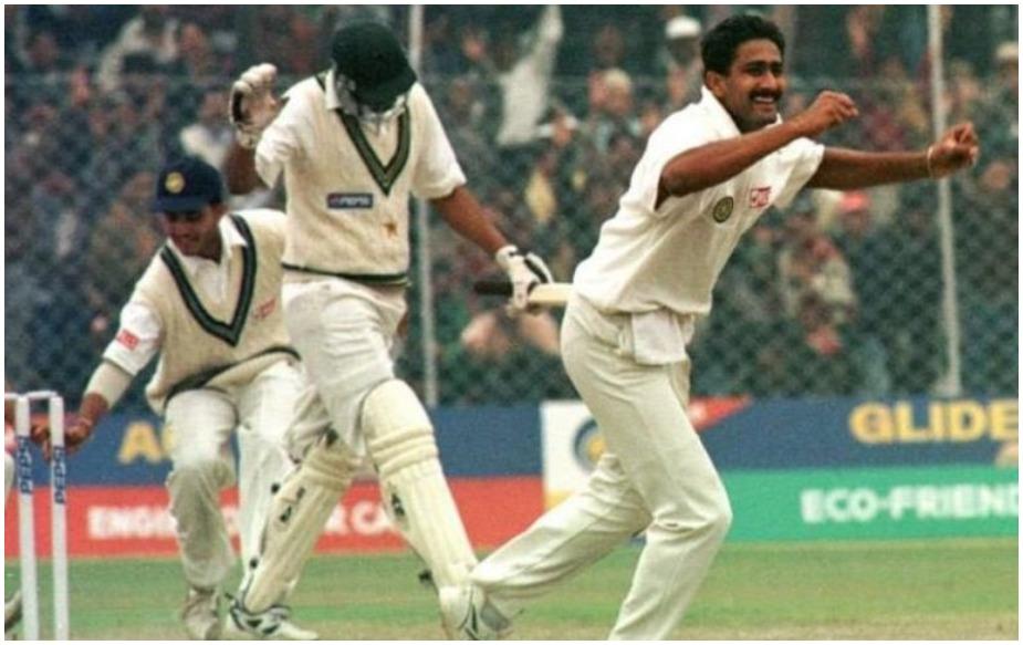अनिल कुंबले टेस्ट क्रिकेट में विरोधी टीम के सभी 10 विकेट लेने वाले भारत के पहले और दुनिया के दूसरे क्रिकेटर हैं. उन्होंने 1999 में पाकिस्तान के खिलाफ दिल्ली में ऐसा किया था. जबकि उनसे पहले इंग्लैंड के जिम लेकर ने 1956 में टेस्ट मैच की एक पारी में 10 विकेट लिए थे. कुंबले ने 43 साल के बाद इस रिकॉर्ड की बराबरी की.