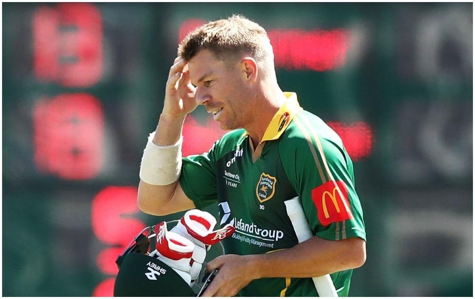 वॉर्नर की रेंडविक पीटरशैम टीम को स्मिथ की सदरलैंड टीम ने पहले बल्लेबाजी का न्योता दिया. वार्नर ने दो चौके जड़े लेकिन 13 रन बनाने के बाद वह स्टीव वॉ के बेटे आस्टिन वॉ की गेंद को प्वाइंट पर खड़े फील्डर के हाथों में खेल गए.