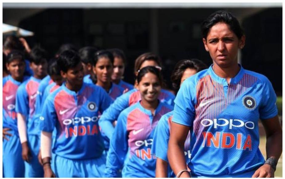 भारतीय टीम (पुरूष/महिला) ने पहली बार वर्ल्ड कप में न्यूजीलैंड को हराया है. महिला टीम 2009 और 2016 में हारी, तो पुरूष टीम को 2007 और 2016 में हार का सामना करना पड़ा था.