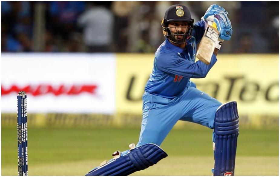 दिनेश कार्तिक को अपने अंतरराष्ट्रीय क्रिकेट में 3,000 रन पूरे करने के लिए 12 रन की दरकार है. उन्होंने वनडे में 1663, टेस्ट में 1025 और टी20 इंटरनेशनल में 300 रन बनाए हैं.