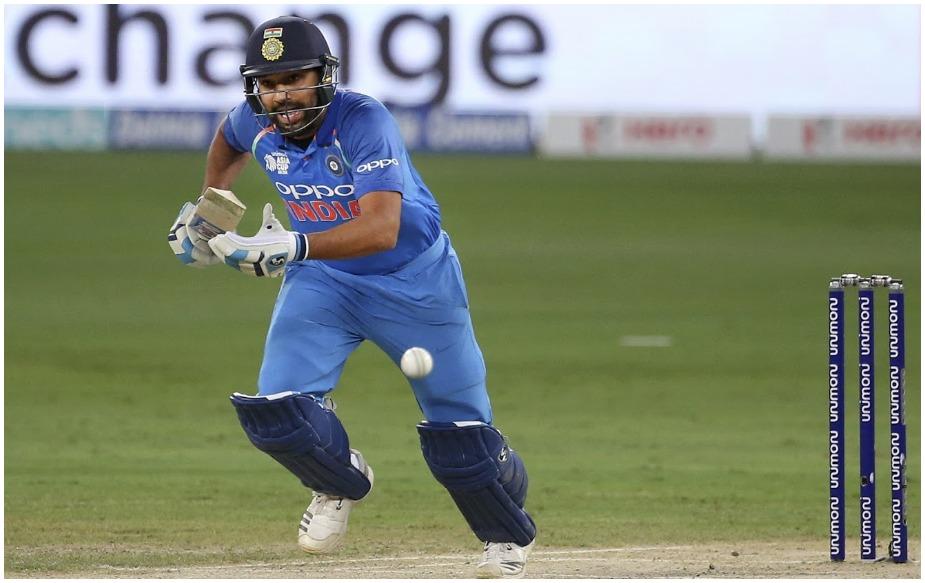 <br />रोहित शर्मा ने इस साल वनडे और टी20 में 1586 रन बनाए हैं, जो सबसे अधिक हैं. 19 वनडे में उन्होंने 1030 और 15 टी20 में 556 रन बनाए हैं. हालांकि वनडे में विराट कोहली (1202 रन, 14 मैच) और टी20 में फखर ज़मान ( 576 रन, 17 मैच) सफल बल्लेबाज़ हैं, लेकिन दोनों फॉर्मेट को मिलाकर ये रोहित का मुकाबला नहीं कर पाते हैं.
