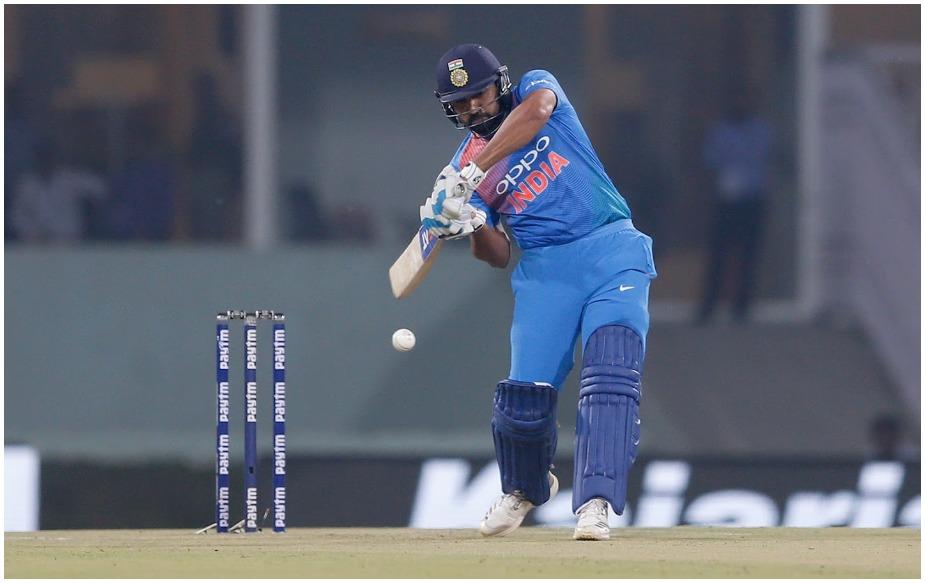 इस साल रोहित ने वनडे में 104 चौके और 39 छक्के लगाने के अलावा टी20 में 49 चौके और 29 छक्के लगाए हैं.