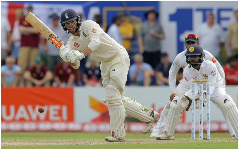 फोक्स हमवतन मैट प्रायर के बाद इंग्लैंड के दूसरे ऐसे विकेटकीपर बल्लेबाज हैं जिन्होंने अपने डेब्यू टेस्ट में शतक बनाया है.