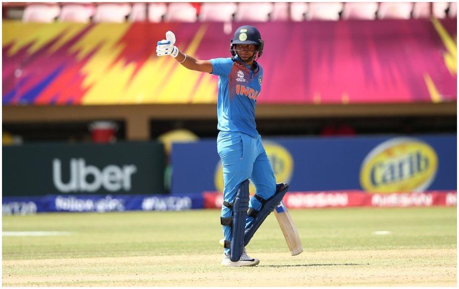 न्यूजीलैंड के खिलाफ कौर ने 49 गेंदों पर शतक पूरा किया. यह भारत के लिए सबसे तेज शतक होने के अलावा तीसरा सबसे तेज शतक है. डॉटिन ने 38 और टी ब्यूमेंट ने 47 गेंदों पर शतक ठोका है.