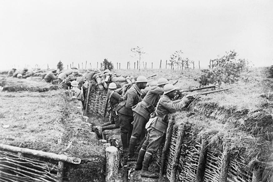 इस युद्ध में अविभाजित भारत के करीब दस लाख सैनिकों ने विदेशों में अपनी सेवाएं दी थीं. जिनमें से करीब 65 हजार जवान मारे गए थे. ये सैनिक 1914 से 1918 के बीच फ्रांस, बेल्जियम, पूर्वी अफ्रीका और अफगानिस्तान आदि में भेजे गए थे.