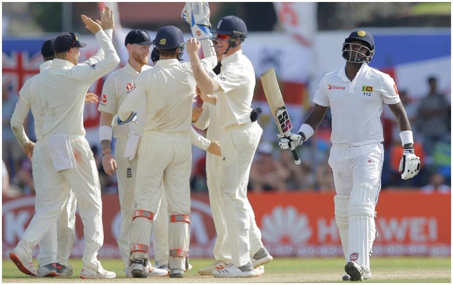 इंग्लैंड और श्रीलंका के बीच तीन टेस्ट मैचों की सीरीज का पहला टेस्ट गॉल में खेला जा रहा है. पहली पारी में 342 रन बनाने के बाद दूसरी पारी में इंग्लैंड ने बिना किसी नुकसान ने 38 रन बना लिए हैं. जबकि मेजबान श्रीलंका पहली पारी में 203 रन पर ढेर हो गई थी. लेकिन यह टेस्ट इंग्लैंड के 25 साल के विकेटकीपर बल्लेबाज़ बेन फोक्स के लिए यादगार बन गया है.