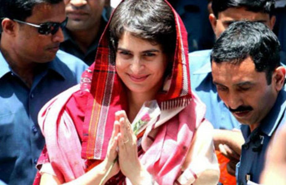 <br />पुस्तक लेखन के जरिए प्रियंका अपने परदादा पंडित जवाहरलाल नेहरू के नक्शेकदम पर चलने को तैयार हैं. इन्होंने अपने राजनैतिक अनुभवों को लेकर किताब लिखी थी, बेटी इंदिरा को जेल से लिखे पत्र भी काफी लोकप्रिय रहे. जेल प्रवास के दौरान ही नेहरू की एक किताब Discovery of India आई और देश-विदेश की कई भाषाओं में इसका अनुवाद हुआ.