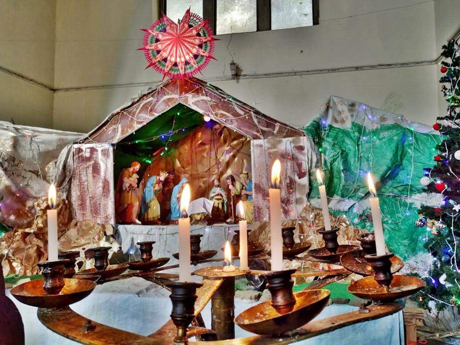 25 दिसंबर को भी सुबह 10 बजे से चर्च में विशेष प्रार्थना के साथ कार्यक्रम होगा. उसके बाद प्रीति भोज का आयोजन होगा. क्रिसमस के लिए चर्च को विशेष रूप से सजाया गया है.
