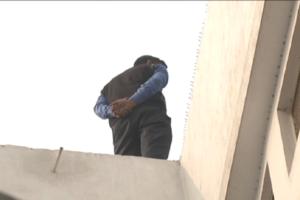 बिल्डिंग के ध्वस्त होने से पहले सीबीआई सारे सबूतों को जुटा लेना चाहती है. इसी सिलसिले में छत पर रखे पानी की टंकी तक को खंगाला गया.