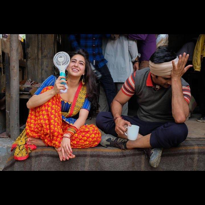 सारा की फिल्म ने पहले दिन यानी कि 7 दिसंबर को 7.25 करोड़ रुपए की कमाई की. इसे सारा के डेब्यू के हिसाब से अच्छी शुरुआत माना जा रहा था.