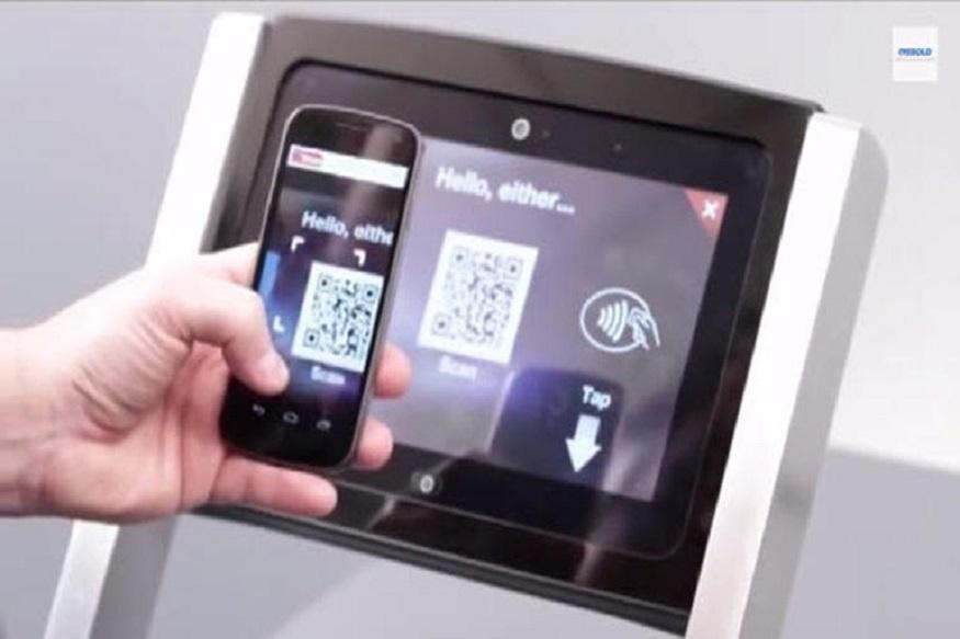 अब जल्द ही आप बिना डेबिट कार्ड के भी ATM से पैसे निकाल सकेंगे. इसके लिए आपको अपने मोबाइल में कोई ऐप डाउनलोड भी नहीं करना पड़ेगा. ये काम होगा यूनिफायड पेमेंट इंटरफेस (UPI) के इस्तेमाल जरिए. इसके जरिए आप QR कोड स्कैन करके एटीएम से कैश निकाल सकेंगे. इसमें आपके मोबाइल का कैमरा और UPI एनेबल्ड ऐप मददगार साबित होगा.