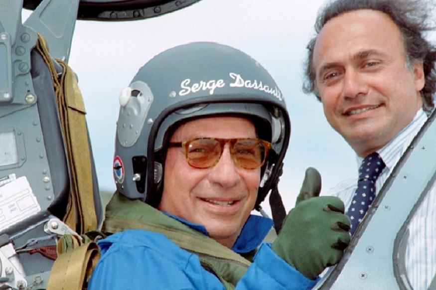 सर्गेई दसॉ ने अपने पिता मर्सेल दसॉ के निधन के बाद 65 साल की उम्र में इस ग्रुप की कमान संभाली थी. मर्सेल ने 1929 को ये ग्रुप खड़ा था. इसकी शुरुआत विमान के प्रोपेलर बनाने से हुई थी, जो खासा लोकप्रिय हुआ था. सर्गेई खासे विवादास्पद शख्सियत भी रहे. वो पेरिस के उपनगर कोरबील एसोंस में वर्ष 1995 से लेकर 2009 तक मेयर रहे. हालांकि उन पर पैसा देकर वोट खरीदने के आरोप भी लगे. बाद में वो फ्रांस में सीनेटर भी रहे. सर्गेई के बारे में कहा जाता है कि उन्होंने फ्रांस में कई राष्ट्रपतियों को चुनाव लड़ने के लिए फंडिंग की.