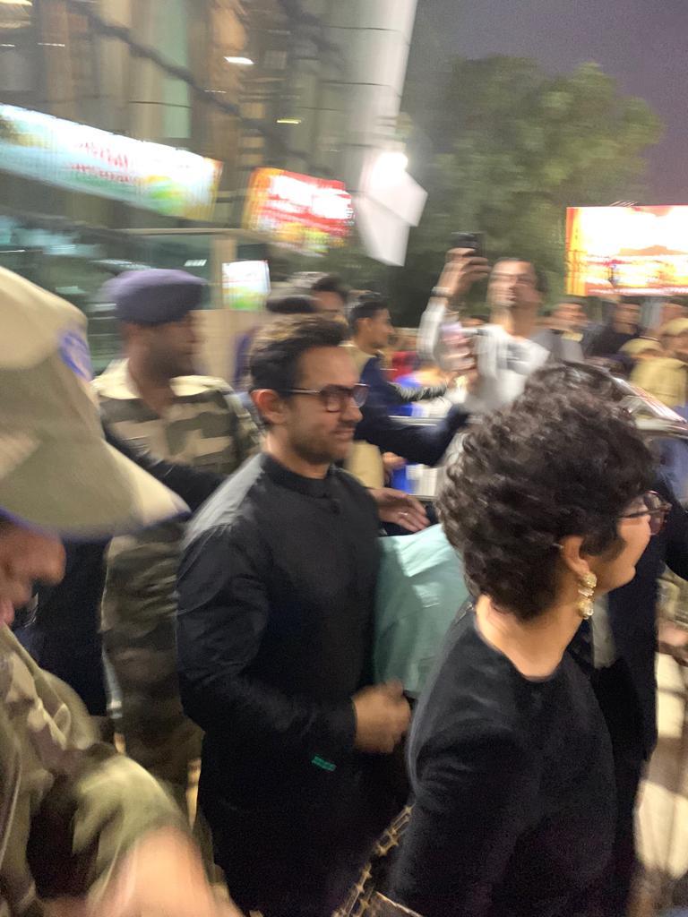 बॉलीवुड अभिनेता आमिर खान भी अन्य स्टार्स के साथ उदयपुर पहुंच चुके हैं.