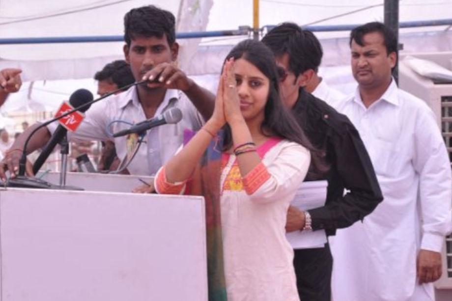 कामिनी का शादी आईपीएस गगनदीप सिंगला से हुई है. साल 2013 के चुनाव में कामिनी जिंदल राजस्थान की 199 सीटों पर सबसे यंग विधायक थी.