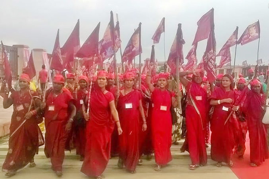 NISHAD PARTY,Ghazipur violence, Uttar Pradesh police, Nirbal Indian Shoshit Hamara Aam Dal, political party in India, Sanjay nishad, sp, bsp, congress, bjp, profile of NISHAD PARTY president Sanjay Kumar, निषाद पार्टी, गाजीपुर हिंसा, 'निर्बल इंडियन शोषित हमारा आम दल, संजय निषाद, एसपी, बीएसपी, कांग्रेस, भाजपा, निषाद पार्टी के अध्यक्ष संजय कुमार का परिचय, yogi aditynath, योगी आदित्यनाथ, gorakhpur bypoll, up bypoll, Samajwadi Party,समाजवादी पार्टी